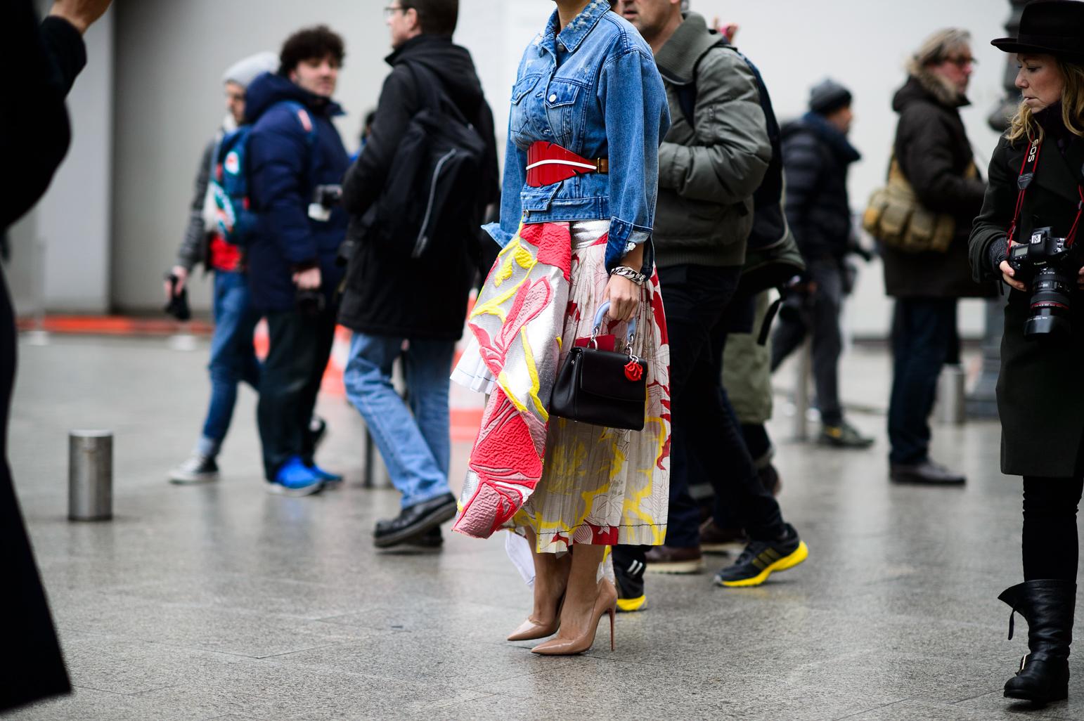 Стрит фэшн: весенние идеи на Неделе моды в Париже