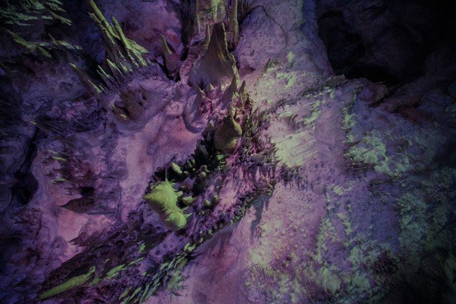 Пещера Прометея: световое и звуковое шоу на глубине 80 метров