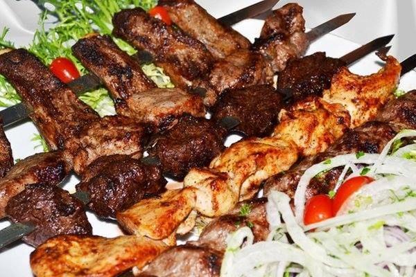 Restaurant mangal azerbaijan cuisine in tbilisi on for Azerbaijan cuisine