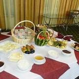 რესტორანში, სასტუმრო Hotel Bazaleti Palace