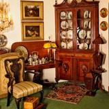 Antiquarian Saloon
