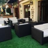 Терраса и кафе отеля Барсуна