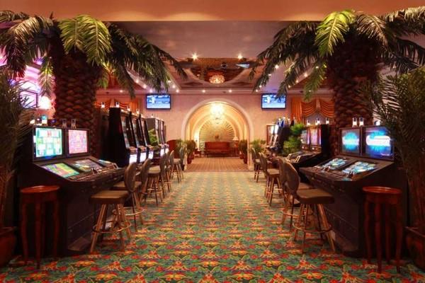Скачать казино роял
