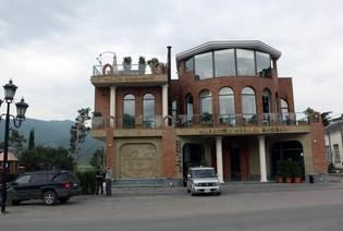 Винный ресторан и винный магазин